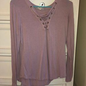 t-shirt/ blouse